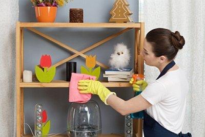 棚や扉の拭き掃除