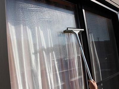 窓ガラスの拭き掃除